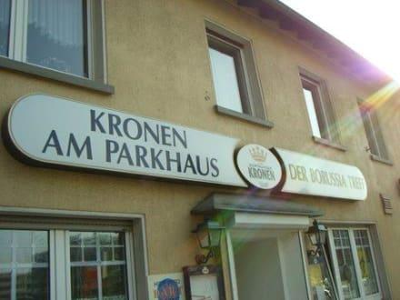 Eingang - Kronen am Parkhaus