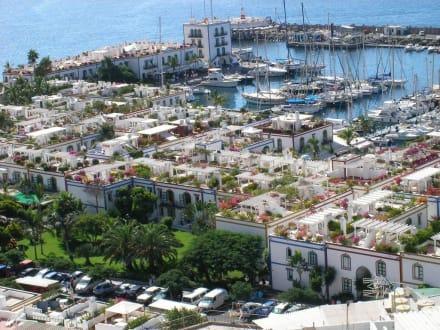 Blick vom Mirador auf den Hafen - Hafen Puerto de Mogán