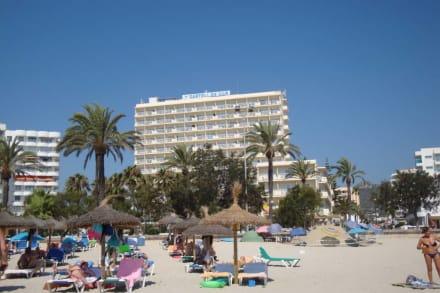 Strand ist schön. leider gibt es Umweltsünder - Strand Cala Millor