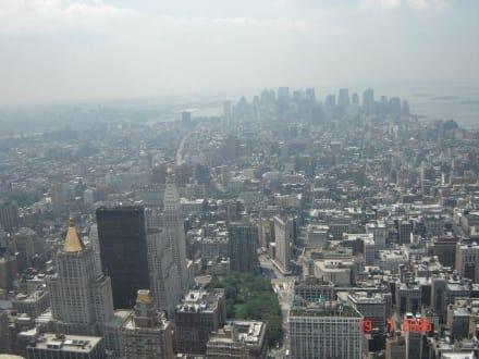 Blick nach Manhatten - Empire State Building