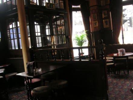 The Albert Pub - The Albert Pub