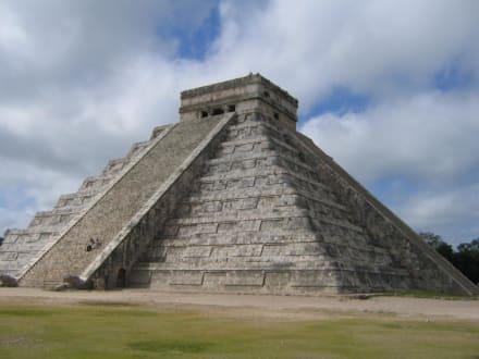 """Pyramide """" El Castillo"""" - Ruine Chichén Itzá"""