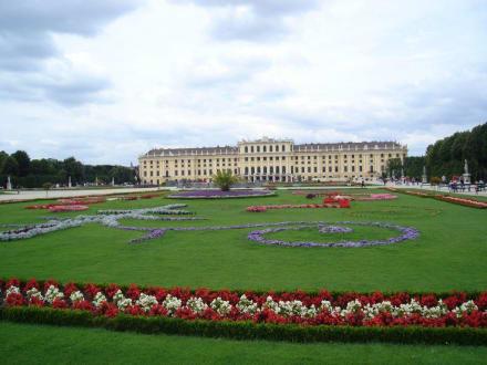 Parkseite Schloss Schönbrunn - Schloss Schönbrunn