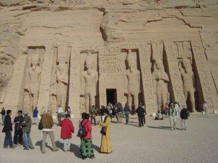 Kleiner Tempel von Abu Simbel - Tempel von Abu Simbel