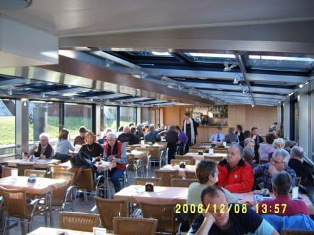 Sightseeing-Schiff auf der Spree - Bootstour Spreefahrt Berlin