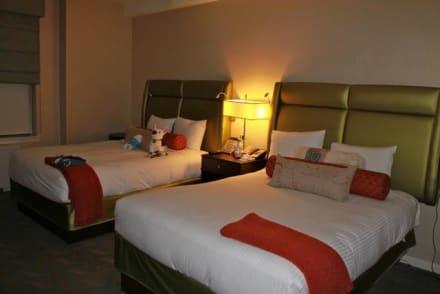 Die beiden King Size Betten - Affinia Hotel Shelburne NYC