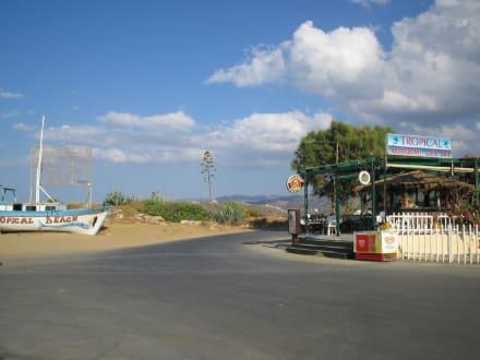 Tropical Beach Bar hinter Malia - Tropical Beach