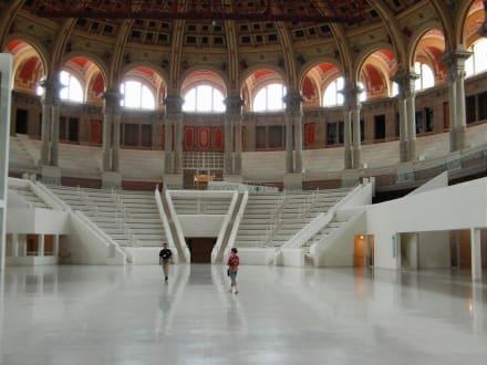 Museu National d' Art de Catalunya - Museu National d' Art de Catalunya