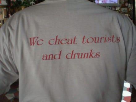 Unser Barkeeper - Charlie's Bar