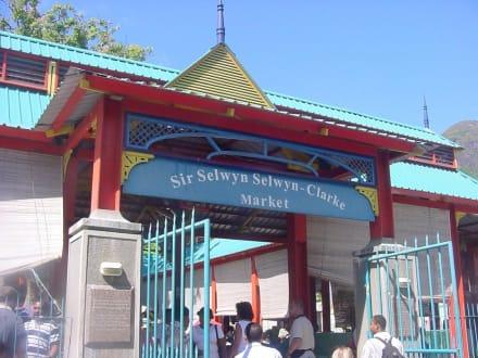 Martkeingang - Sir Selwyn Selwyn-Clarke Market