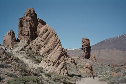 Felsenlandschaft unterhalb des Teide - Teide Nationalpark