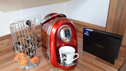kapsel kaffeemaschine im appartement bild ferienwohnung. Black Bedroom Furniture Sets. Home Design Ideas