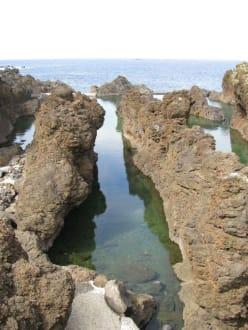 Natürliche Wasserschwimmbecken - Meerwasserschwimmbecken