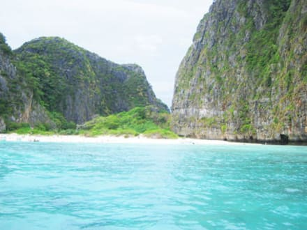 Phi Phi Island Tour - Maya Bay / The Beach