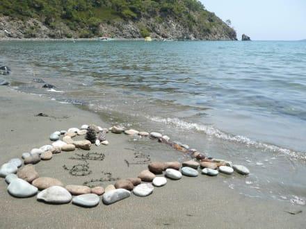 Kleopatra-Bucht rechts vom Amara Dolce Vita Luxury - Strand Kleopatra/Strand Damlatasch
