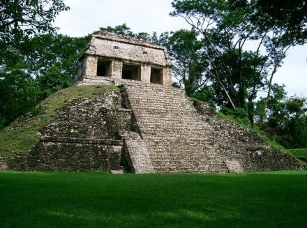 Grupo 15 - Maya Pyramiden Palenque