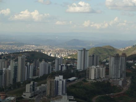 Blick Richtung Belo Horizonte - Aussichtsturm Alta Vila