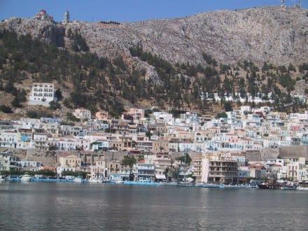 Wir nähern uns mit der Fähre Kalymnos - Hafen Mastichari