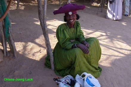 Herero Frau! - Vingerklip und Twyfelfontain