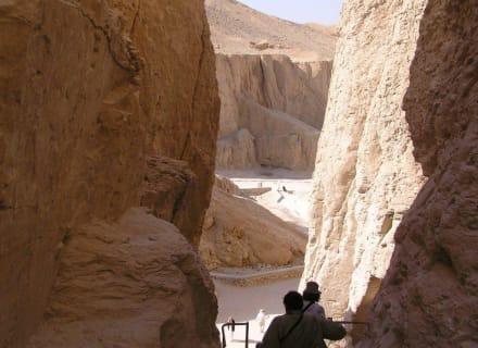 Blick vom Grab Thutmosis III - Tal der Könige