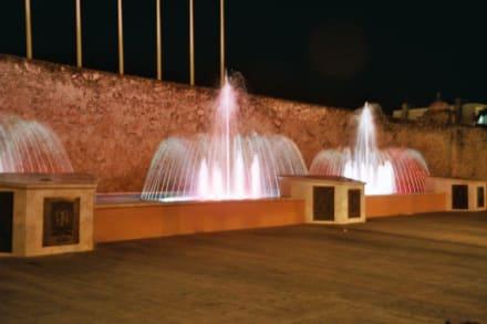 Springbrunnen mit Musikbegleitung - Springbrunnen