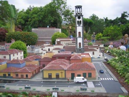Santa Cruz im Pueblo Chico - Pueblo Chico
