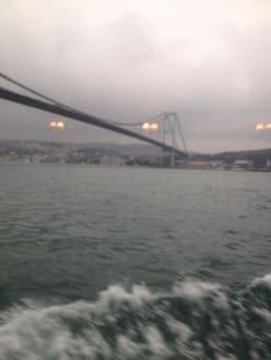 Bosporus-Brücke - Bosporus Fahrt