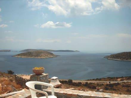 Blick auf die vorgelagerten Inseln - Iraklia