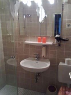 Dusche / WC - Hotel Monaco