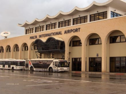 Malta International Airport - Flughafen Malta (MLA)