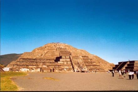 Teotihuacan, die Mondpyramide - Mondpyramide