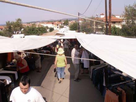 Sonnensegel in Nikiti - Markt in Nikiti