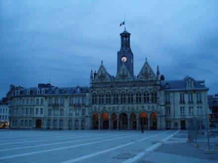Rathaus von St. Quentin - Rathaus von Saint- Quentin