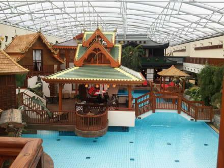 sieben welten pool bild b der park hotel sieben welten therme spa resort in fulda hessen. Black Bedroom Furniture Sets. Home Design Ideas