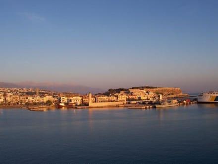 Rethymnon bei Sonnenaufgang - Hafen Rethymno