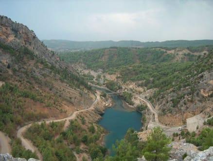 Blick von der Staumauer in der Nähe von Manavgat - Oymapinar Baraji/ Stausee Green Lake & Green Canyon