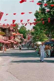 Altstadt eine Shoppingmeile - Markt