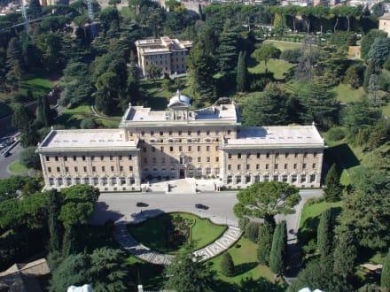 Blick von der Kuppel - Petersplatz