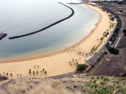 Künstlicher Strand mit Sahara Sand. - Strand Las Teresitas