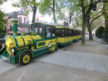 Gleich geht es los - Stadtrundfahrt Köln