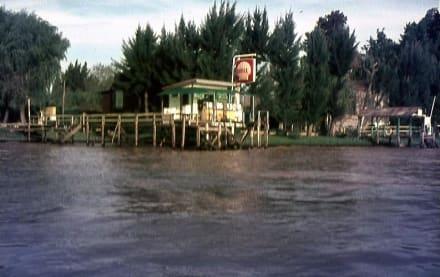 Eine fluß-Tankstelle im Mündungsdelta - Tigre Delta