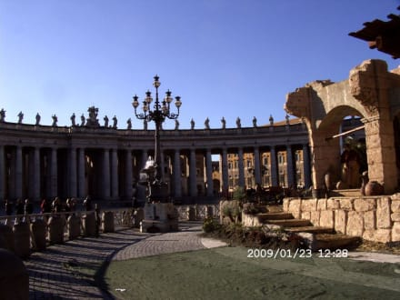 Petersplatz und Petersdom - Petersplatz