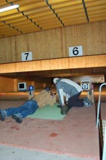 Einzeltraining - Trainingshalle der Biathleten