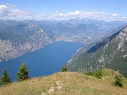 Blick auf Riva - Seilbahn Malcesine - Monte Baldo