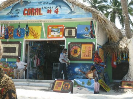 Strandbude um Playa Bavaro beim Dorf Cortecito - Playa Bávaro