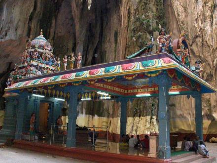Einer der Tempel in der Höhle - Batu Caves