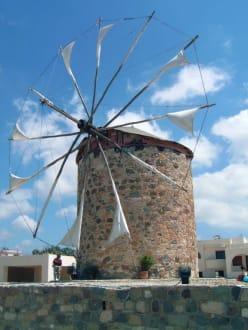 Segelwindmühle - Segelwindmühle