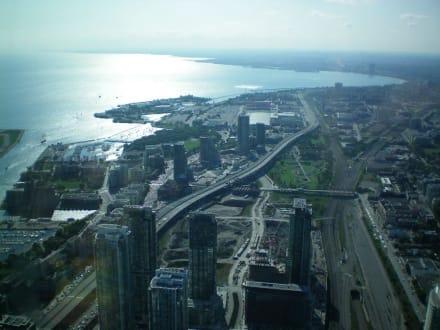 Ausblick auf Lake Ontario - CN Tower