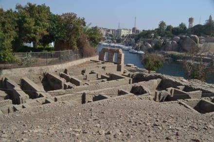Befestigungen und Häuser aus dem alten Königreich - Elephantine Island