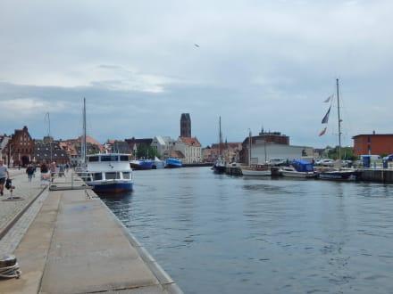 Am alten Hafen\